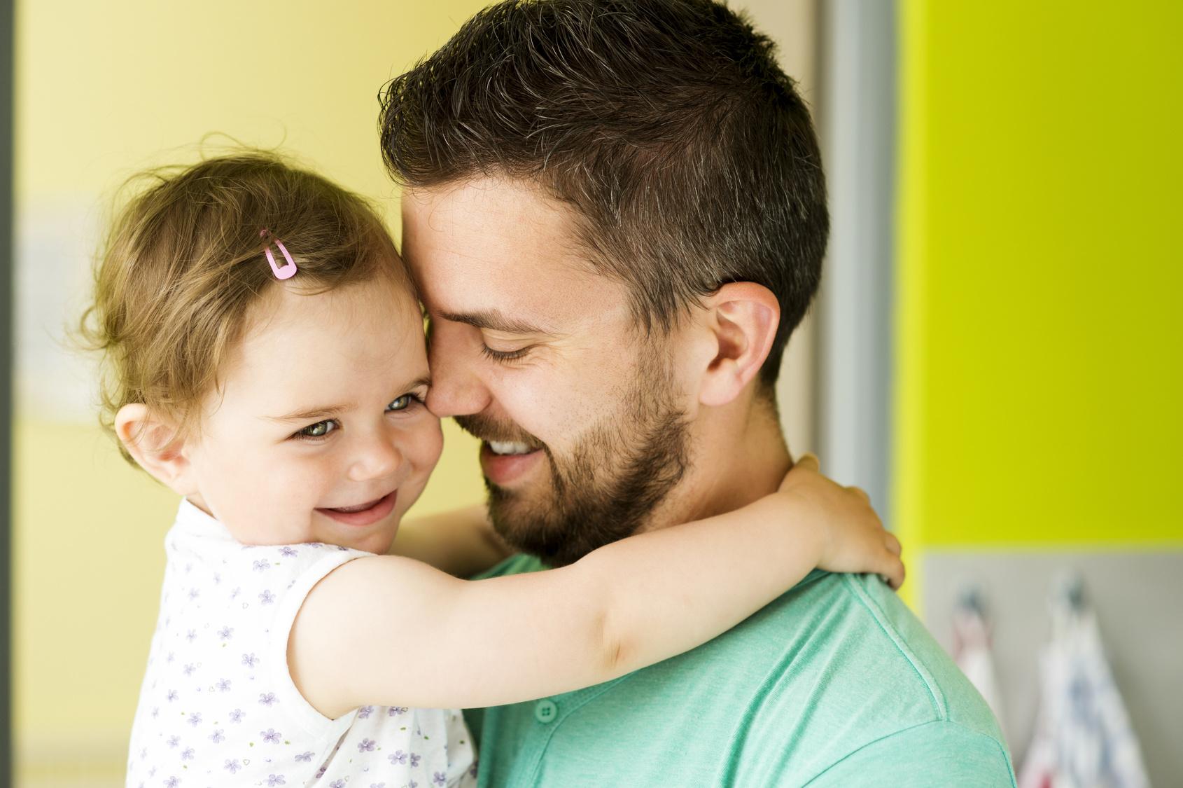 Sichere Bindung - Durch Körpernähe kann eine sichere Bindung zu dem Kind aufgebaut werden