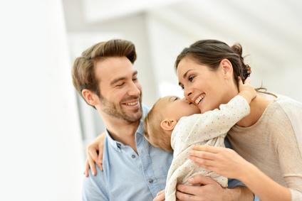 Happy Babys - Körperliche Nähe macht glücklich!