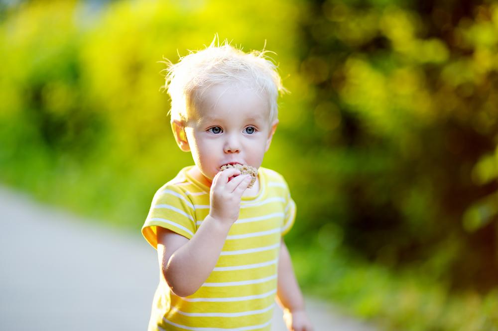 Dass ein Kind laufen kann ist kein Grund zum Abstillen