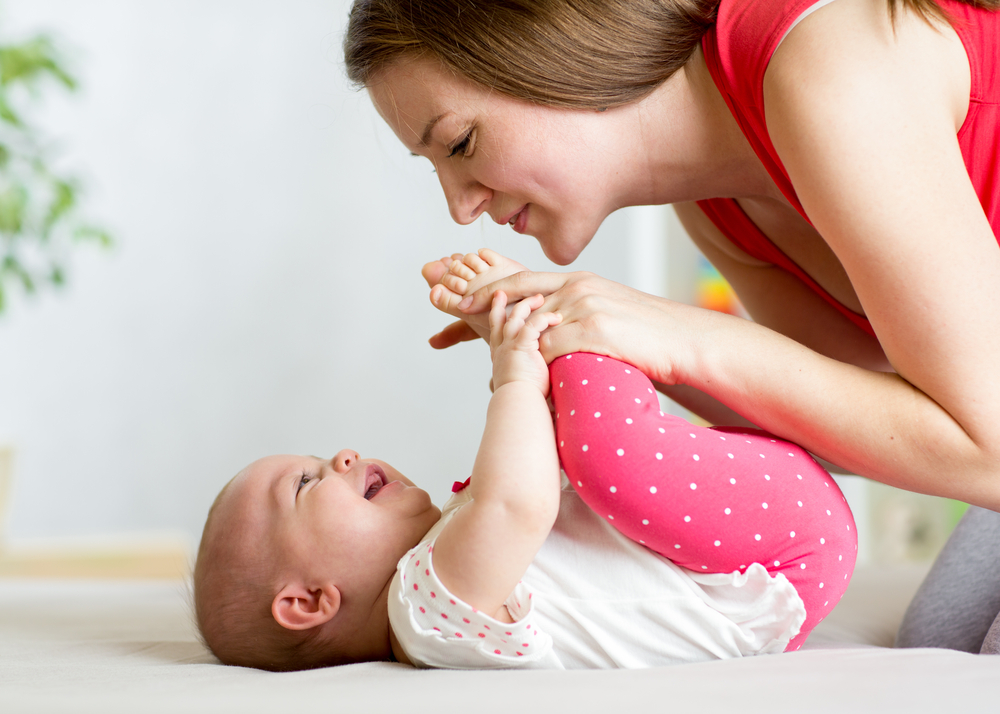 Achtsame Beziehung fördert die Verbindung zwischen Mutter und Kind