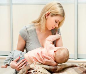 Muttermilch wird durch viele Nähe zwischen Mutter und Kind produziert