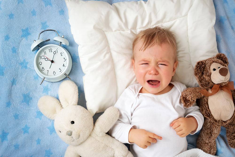 Schreien lassen, Bindung stärken, Eltern-Kind-Beziehung